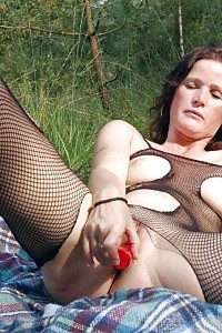 Lewd Mom Bitch Massages Her Jugs While Jamming A Big Sex Toy Into Her Soaking Wet Cunt